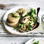 Rice cakes with baby marrow & mushrooms